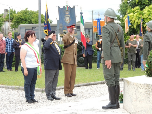CERIMONIE D'ONORE AI CADUTI – XXX RADUNO NAZIONALE ARTIGLIERI D'ITALIA