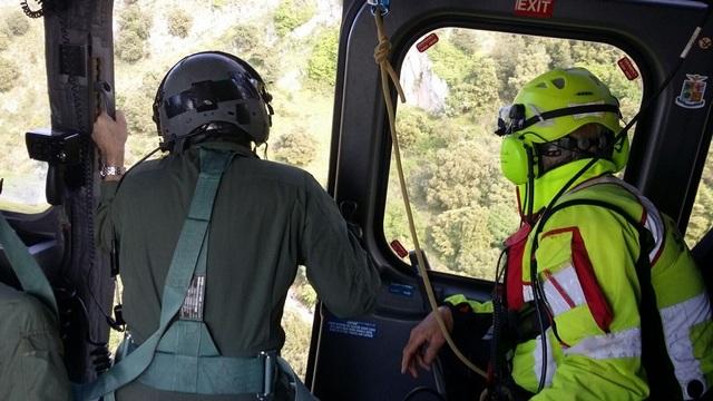 TRAPANI: BAGNANTE SOCCORSO DA UN ELICOTTERO DELL'AERONAUTICA MILITARE