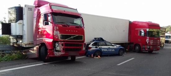 STRADALE: GRAVE INCIDENTE SULLA MESSINA-CATANIA, MORTO UN POLIZIOTTO