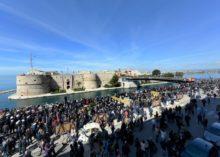 MARINA MILITARE: GRANDE SUCCESSO DI VISITATORI AL CASTELLO ARAGONESE DURANTE IL PERIODO PASQUALE