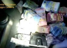 DENUNCIATO PER RICETTAZIONE, OLTRE 1 MILIONE DI EURO OCCULTATO IN AUTO