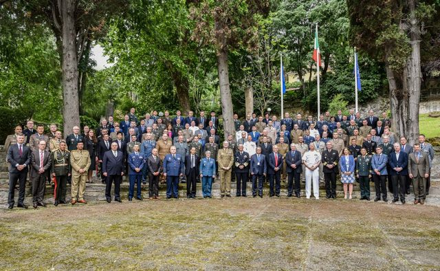 NATO, CONFERENCE OF COMMANDANTS OSPITATA A ROMA