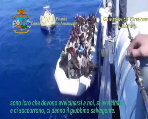 OPERAZIONE MAMAN - FERMATE QUATTRO PERSONE PER TRATTA DI ESSERE UMANI