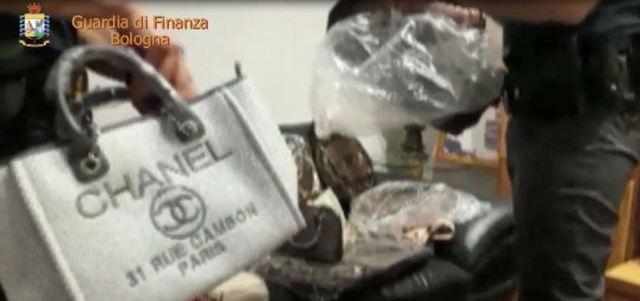 DISARTICOLATA INTERA FILIERA DELLA CONTRAFFAZIONE