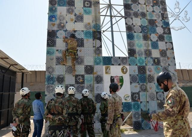 AFGHANISTAN: CORSI A FAVORE DELLE FORZE DI SICUREZZA AFGHANE