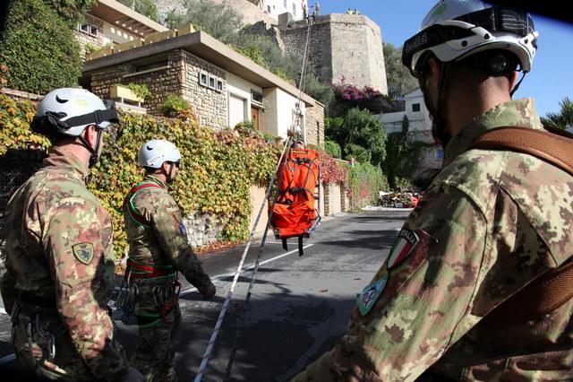 VARDIREX 2019: ESERCITO, MARINA, PROTEZIONE CIVILE E ANA SIMULANO UN INTERVENTO EMERGENZIALE COMPLESSO