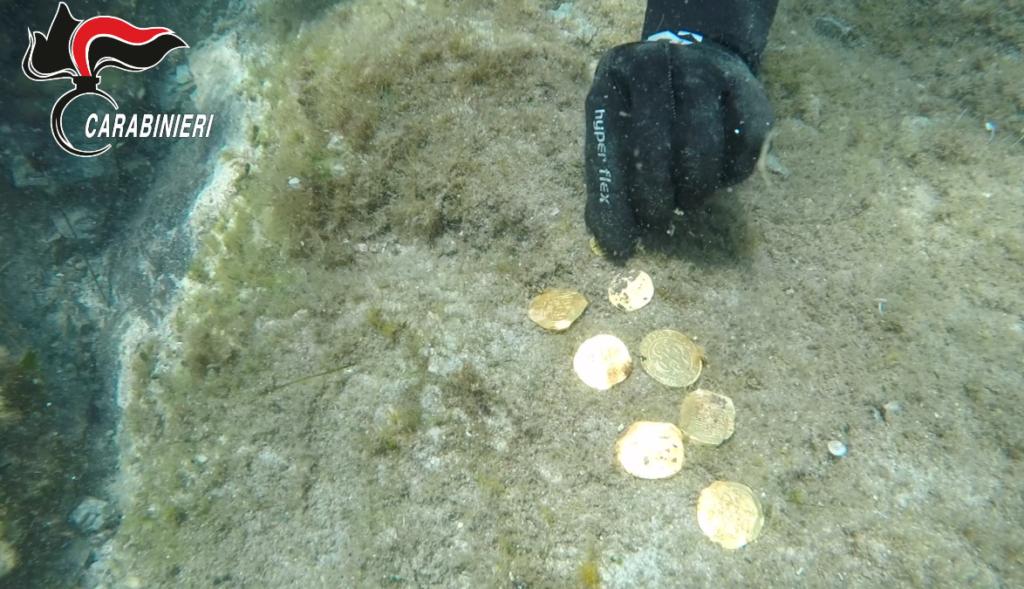 Recuperati in mare reperti archeologici