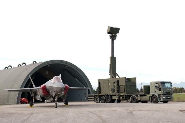 """F-35: IL 2° STORMO ED IL XIII GRUPPO DEL 32° STORMO SI ADDESTRANO CONGIUNTAMENTE DURANTE L'ESERCITAZIONE """"LIGHTNING 2020""""."""