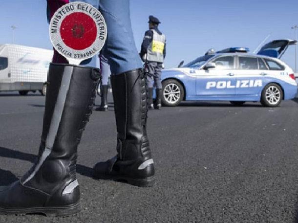 TRASPORTO IRREGOLARE DI RIFIUTI PERICOLOSI. CONTROLLI DELLA POLIZIA STRADALE.