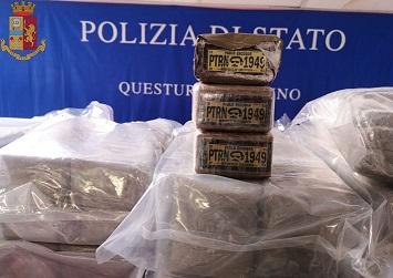 TORINO: SEQUESTRATI DALLA POLIZIA QUASI 300 KG DI DROGA, DUE PERSONE ARRESTATE