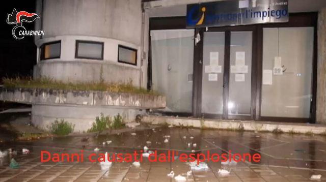 CARABINIERI: TERRORISMO ED EVERSIONE, 2 ARRESTI PER L'ORDIGNO AL CENTRO PER L'IMPIEGO DI AVELLINO
