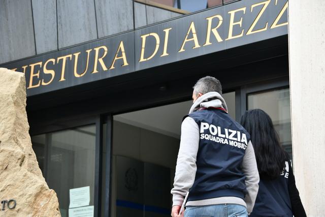 """PRENDONO A PUGNI MINORENNE NON VEDENTE AL PARCHEGGIO """"PIETRI"""". INDIVIDUATI I RESPONSABILI DALLA POLIZIA DI STATO."""